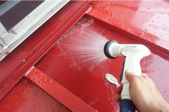 ガルバリウム鋼板の春の水洗いは必須