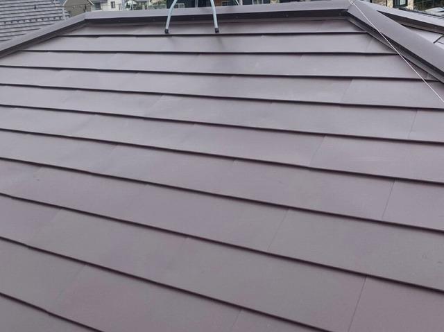 ガルバリウム鋼板の横葺きを行った小美玉市の屋根