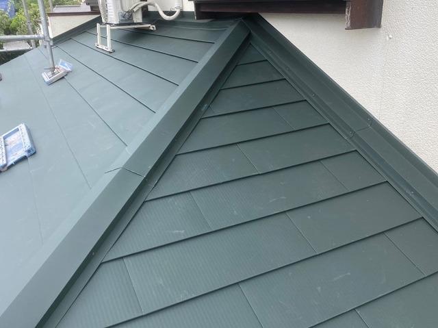 一階の北側の下屋根に行った屋根工事