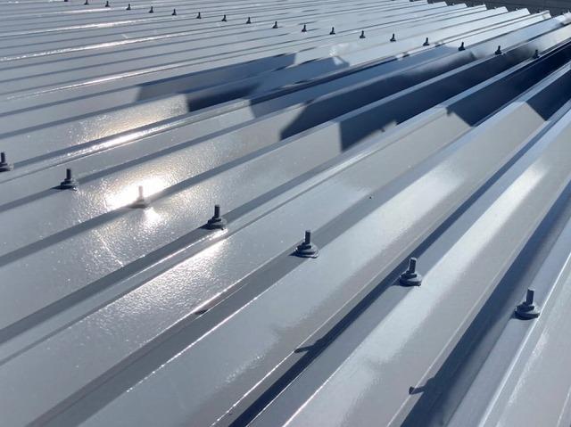 屋根塗装が完了した水戸市の折板屋根
