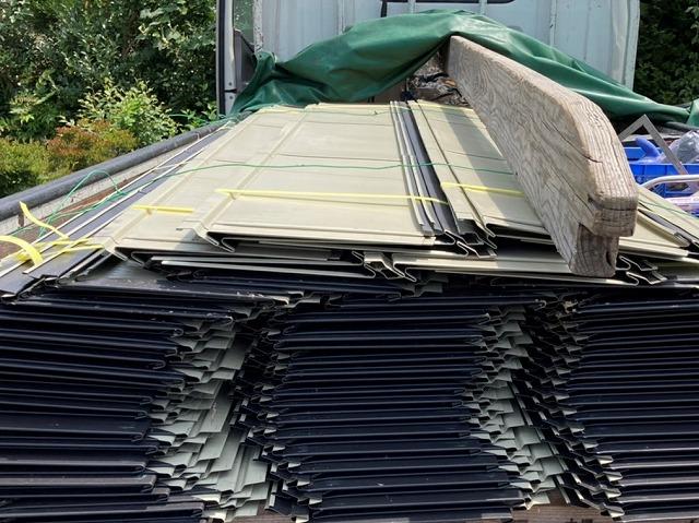 結城市の現場で使用する定尺金属横葺き用T2ワイド220