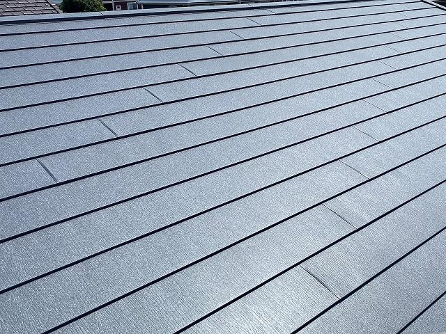スーパーガルテクトでの屋根工事が完了した屋根