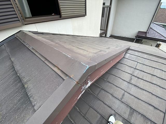 棟違い屋根になっているひたちなか市のスレート屋根