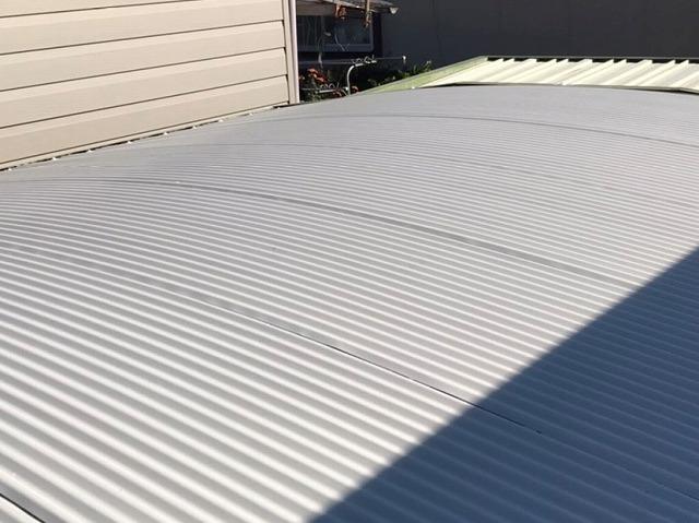 車庫の屋根塗装が完了した日立市の現場
