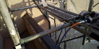 玄関上の板金施工