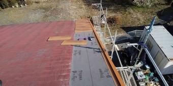 スレート屋根補修張り始め