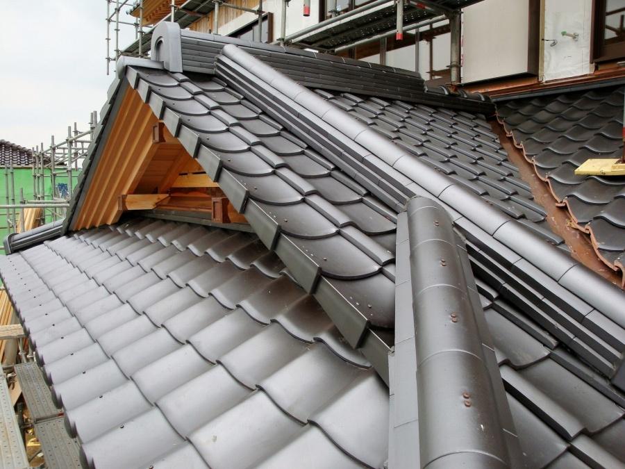 綺麗に葺かれた瓦屋根