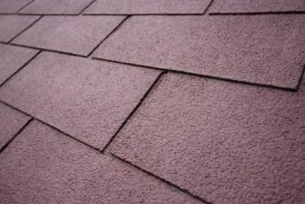 アスファルトシングル屋根材が葺かれた屋根