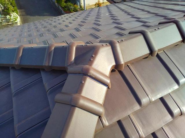 防災瓦の棟取り直し工事が完了しました