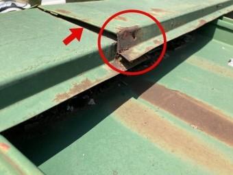 瓦棒屋根棟板金浮き
