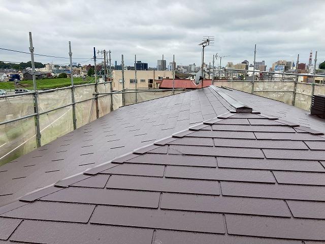 屋根塗装工事が完了したスレート屋根