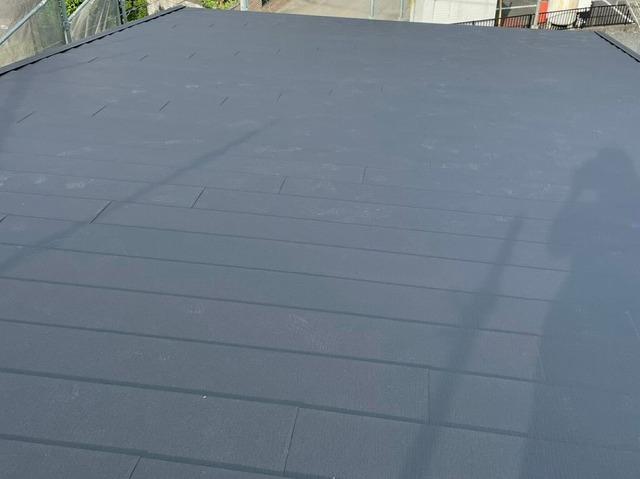 スーパーガルテクトで施工した片流れ屋根