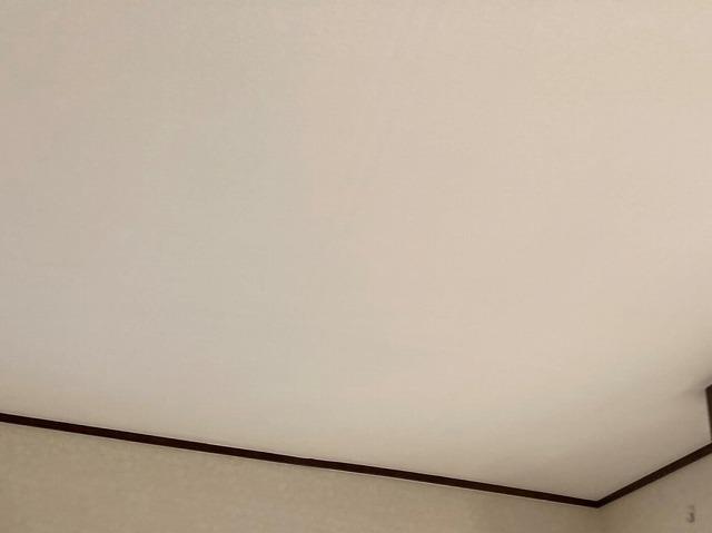 天井改修が完了した洋室天井