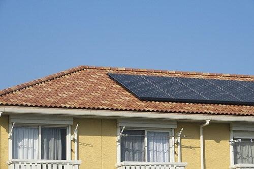 並勾配屋根に太陽光