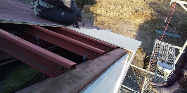 屋根下地鉄骨画像