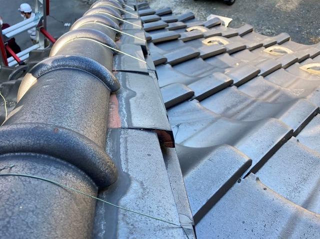 施工前の熨斗瓦がズレている水戸市の降り棟