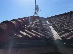 小美玉市での屋根葺き替え工事前のモニエル瓦