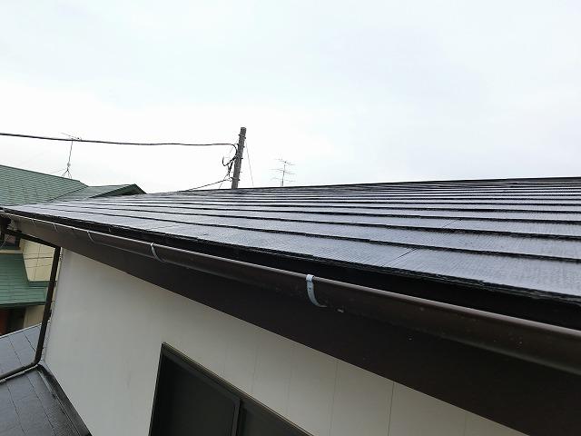 屋根塗装と雨樋交換が完了したひたちなか市の現場屋根