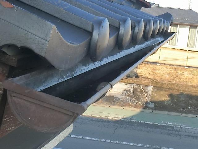 1階西面の軒樋が勾配不良