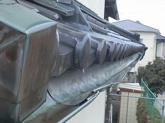 機能不良を起こしていた銅製の雨樋