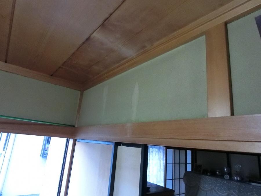 水戸市で雨漏りした天井を奥から撮影