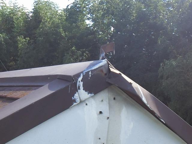 東側の棟巴の破損