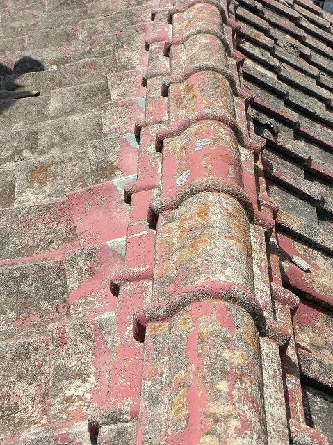 和形ひものし瓦棟のセメント瓦屋根