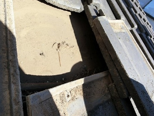 擦り切れた防水シート