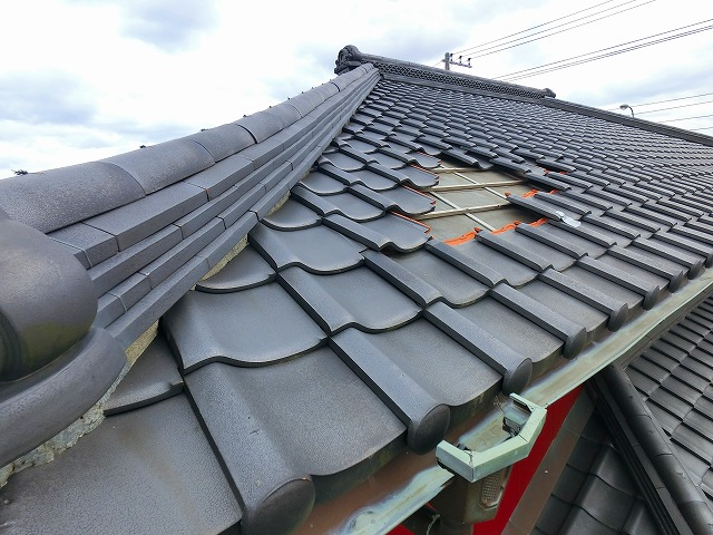 屋根リフォーム部分補修が必要な和瓦