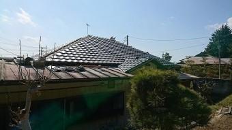 新規屋根材平瓦部ほぼ葺き終わり