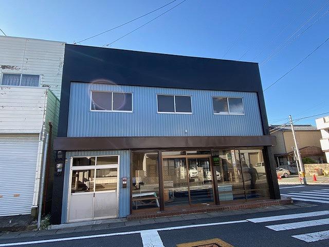 外壁塗装が完了した店舗画像