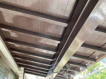 玄関軒天木部への塗装