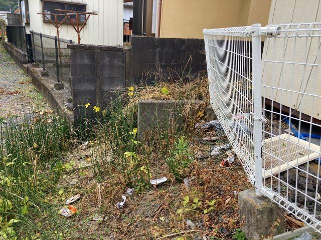工事前の傾いた外構フェンス