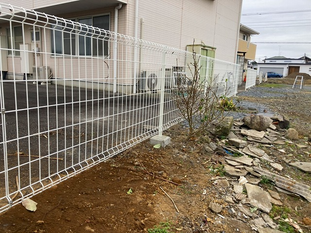 フェンスを設置して完了です