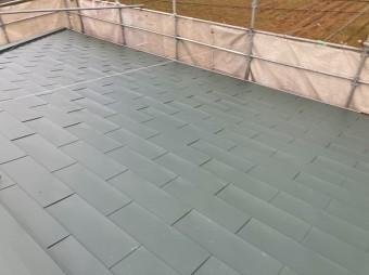 カバー工法で生まれ変わった金属屋根