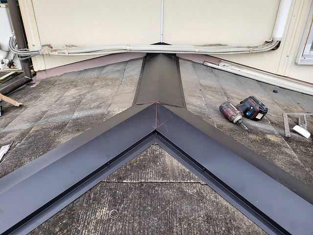 棟板金の交換が済んだ桜川市の屋根