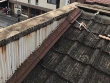 笠木板金を解体したパラペットの東側