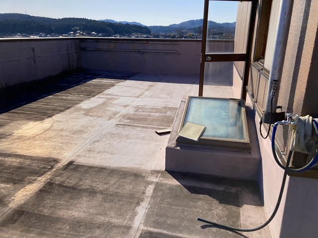 テナントビル防水シート雨漏り原因