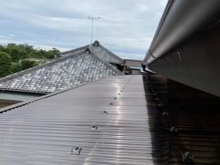 那珂市の現場で波板交換が完了したアルミ製テラス屋根