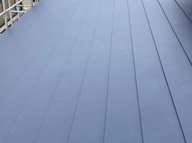エスジーエル鋼板で葺きあげた屋根