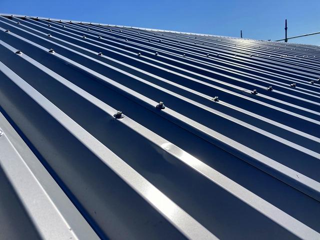 稲敷市で屋根カバー工事と外壁張替え工事を行ったお客様の完工写真
