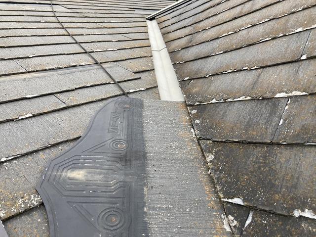 軒先まで脱落していたスレート屋根材