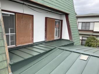 MSタフビームで屋根葺き替え工事が完了した現場を点検した画像