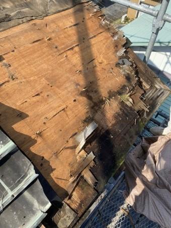 銅板腰葺き屋根の解体してみると下地腐っていました