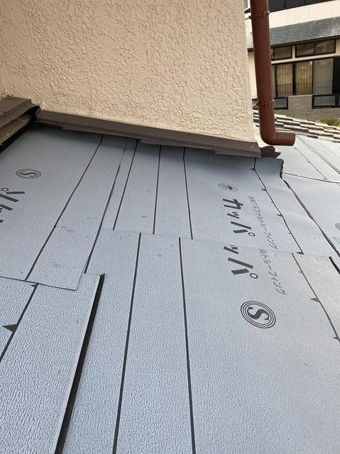 石岡市でカッパ防水シート施工北面瓦屋根