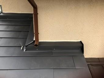 石岡市ガルバリウム鋼板クランク雨押え