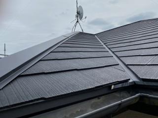 小美玉市で屋根葺き替え工事が完了したスレートコロニアル