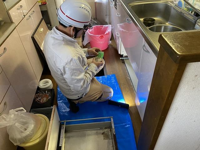 キッチン配管水漏れを補修する