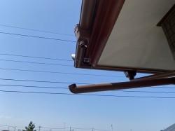 笠間市で強風にあおられ外れた呼び樋のビフォー画像