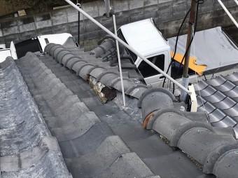 大棟から見た風切丸の崩れ